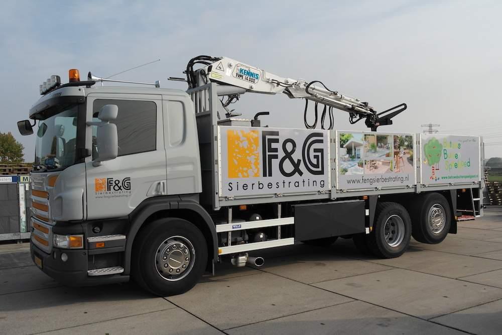 vrachtwagen F&G Sierbestrating